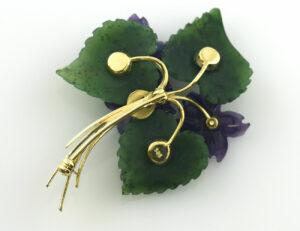 Brosche 585/000 14 K Gelbgold Jade, Amethyst 3 Brillanten zus. 0,03 ct