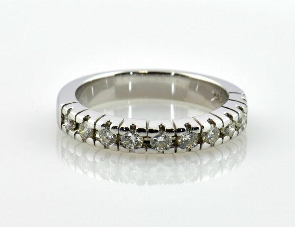 Diamantring 585/000 14 K Weißgold 10 Brillanten zus. 0,45 ct