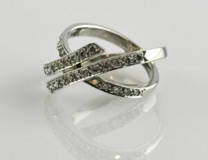Diamantring 750 18 K Weißgold 33 Brillanten zus. 0,35 ct