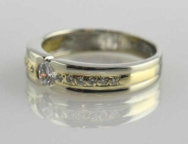 Diamantring 585/000 14 K Weiß-/Gelbgold 13 Brillanten zus. 0,28 ct