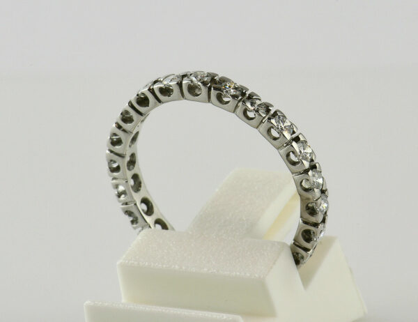 Diamantring Memory 750/000 18 K Weißgold 22 Brillanten zus. 0,65 ct
