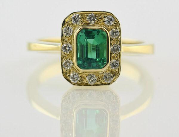 Smaragd Diamantring 750/000 18 K Gelbgold 12 Brillanten zus. 0,24 ct
