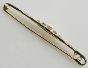 Brosche Zuchtperle 585 14 K Gelbgold 2 Diamanten zus. 0,05 ct