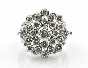 Diamant Ring 750/000 18 K Weißgold 24 Brillanten zus. 2,85 ct