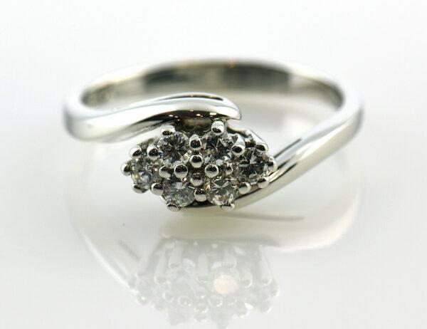 Diamantring 585 14 K Weißgold 6 Brillanten zus. 0,32 ct