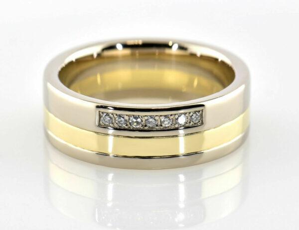 Diamantring 585/000 14 K Gelb-Weißgold 7 Diamanten zus. 0,07 ct