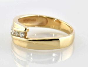 Diamantring 585/000 14 K Gelbgold 5 Brillanten zus. 0,20 ct
