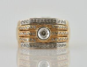 Diamantring 585/000 14 K Gelbgold 65 Diamanten zus. 0,65ct