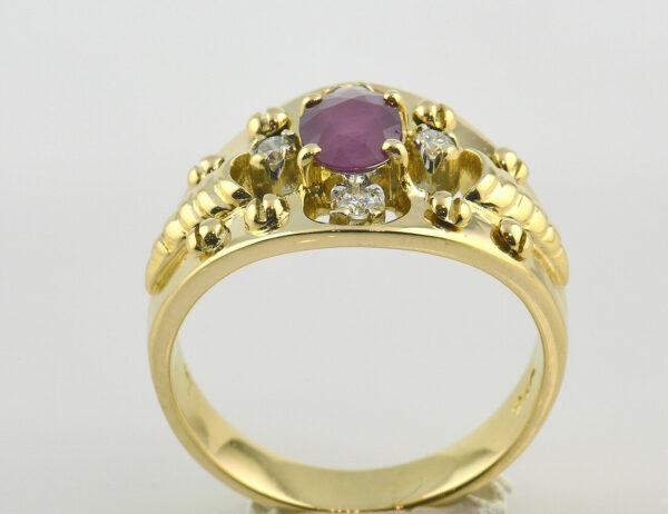 Rubin Diamantring 750 18 K Gelbgold 4 Brillanten insgesamt 0,16 ct
