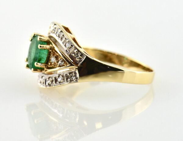 Smaragd Ring 585 14 K Gelbgold, 18 Diamanten zus. 0,13 ct