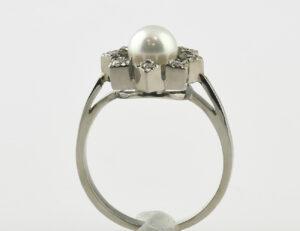 Ring Akoyaperle 585/000 14 K Weißgold 8 Diamanten zus. 0,15 ct