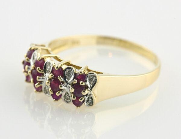 Rubin Diamantring 585/000 14 K Gelbgold 10 Diamanten zus. 0,05 ct