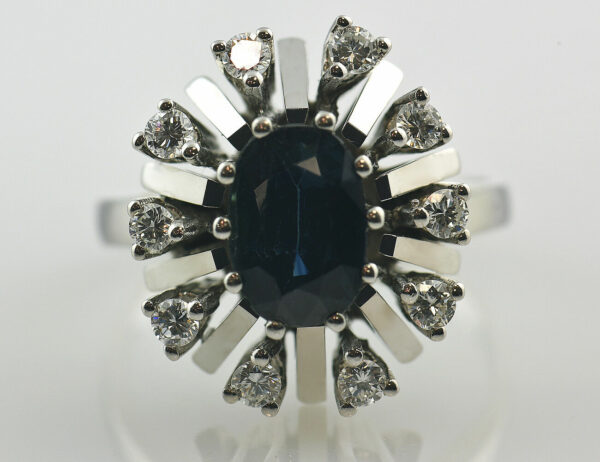 Saphir Diamantring 585 14 K Weißgold 10 Brillanten insgesamt 0,38 ct