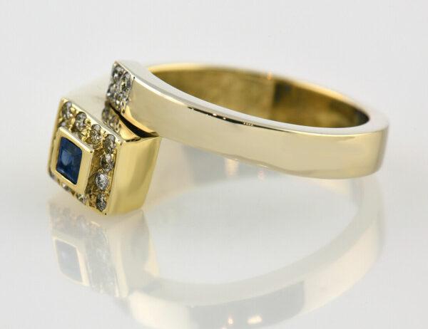 Saphir Diamantring 750 18 K Gelbgold 16 Brillanten zus. 0,27 ct
