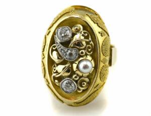 Antiker Ring mit Granulationen in 585/00 14 K Gelbgold, 4 Diamanten zus. 0,70 ct