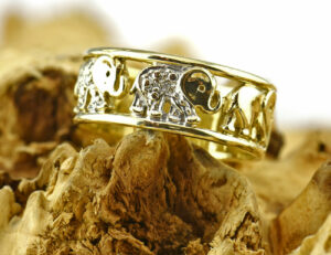Diamantring 585 14 K Gelbgold 2 Diamanten zus. 0,02 ct