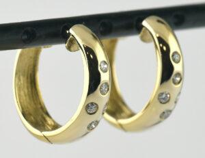 Ohrringe Creolen 585/000 14 K Gelbgold, 10 Diamanten zus. 0,10 ct