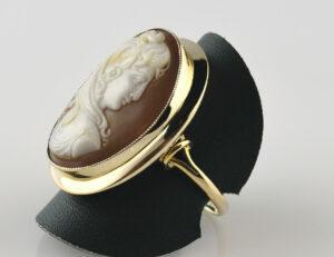 Ring 585/000 14K Gelbgold Muschelkamee Gemme