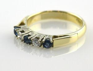 Saphir Diamantring 585/000 14 K Gelbgold 2 Brillanten zus. 0,21 ct