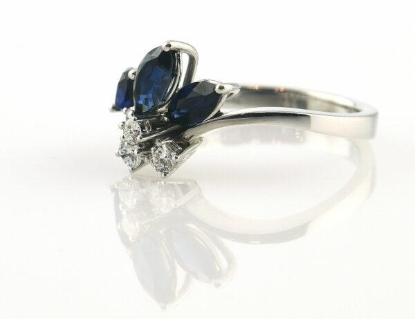 Saphir Diamantring 585/000 14 K Weißgold 4 Brillanten zus. 0,23 ct
