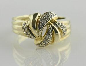 Diamant Ring 585/000 14 K Gelbgold 31 Diamanten zus. 0,15ct