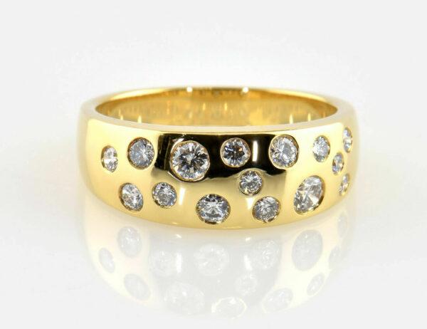 Diamant Ring 750/000 18 K Gelbgold 15 Brillanten zus. 0,62 ct