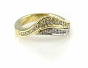 Diamantring 585 14 K Gelbgold 36 Brillanten zus. 0,38ct
