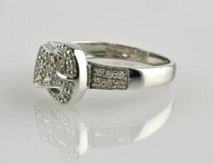 Diamantring 585 14 K Weißgold 27 Diamanten zus. 0,27 ct