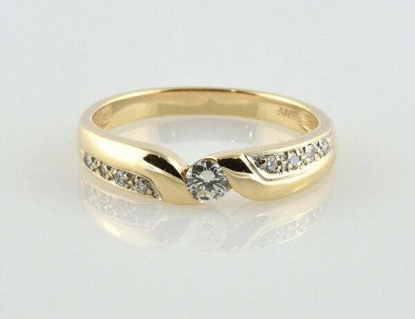 Diamantring 585/000 14 K Gelbgold 9 Brillanten zus. 0,35 ct