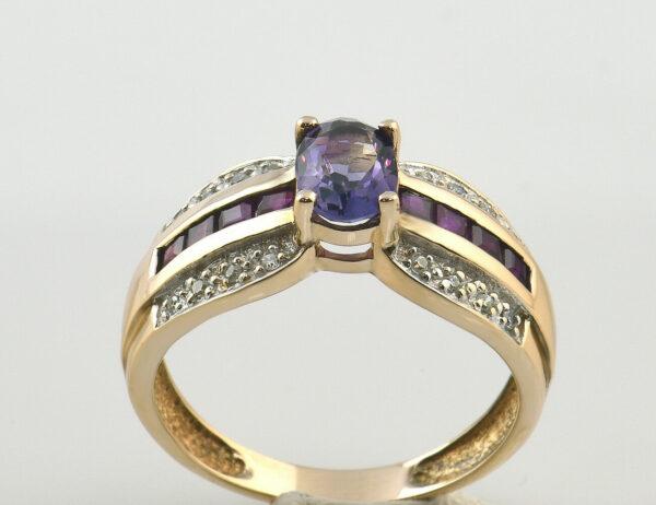 Ring Amethyst Rubin 333/000 8 K Rotgold 16 Diamanten zus. 0,10 ct