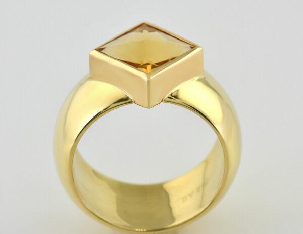 Ring Citrin 750/000 18 K Gelbgold