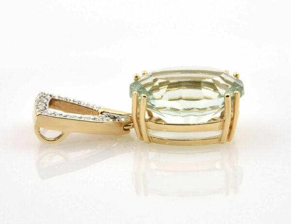 Anhänger hellgrüner Amethyst 585/000 14 K Gelbgold 15 Diamanten zus. 0,10 ct