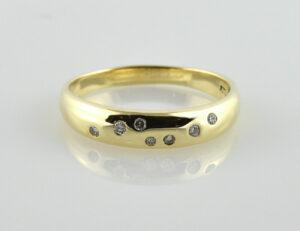 Diamantring 585/000 14 K Gelbgold 7 Brillanten zus. 0,12 ct