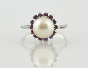 Ring Akoyaperle Rubin 750/000 18 K Weißgold