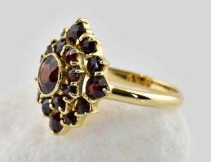 Ring Granat 333/000 8 K Gelbgold