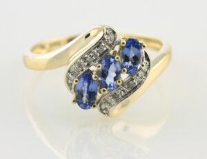 Ring Spinell 585/000 14 K Gelbgold 8 Diamanten zus. 0,04 ct