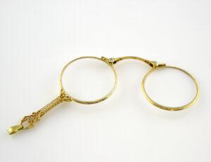 Alte Englische Lorgnette 10 K Gold Klappbrille 8 Diamanten zus. 0,18 ct