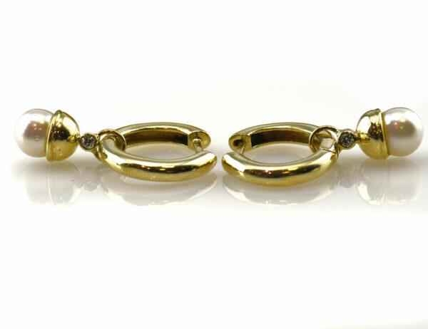Creolen 585 14 K Gelbgold mit Einhänger 2 Diamanten zus. 0,06 ct und Akoyaperle