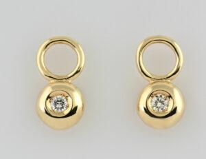 Creolen 585/000 14 K Gelbgold mit Einhänger, 4 Brillanten zus. 0,20 ct