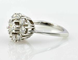 Ring Diamant 750/000 18 K Weißgold 9 Brillanten zus. 0,65 ct