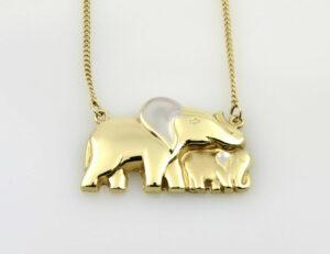 """Collier """"Elefant"""" 333/000 8 K Gelbgold, 42 cm lang"""