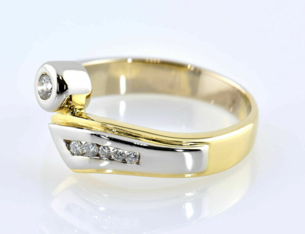 Diamant Ring 750/000 18 K Gelb-Weißgold 6 Brillanten zus. 0,12 ct