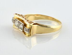 Diamantring 585/000 14 K Gelbgold 6 Diamanten zus. 0,44 ct