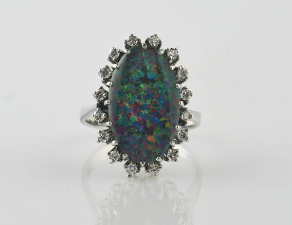 Ring Opal Triplette 585/000 14 K Weißgold, 16 Diamanten zus. 0,45 ct