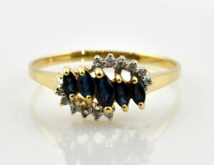 Saphir Diamantring 750/000 18 K Gelbgold 12 Diamanten zus. 0,10 ct
